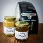 Simple honey labels