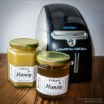 Simple honey labels