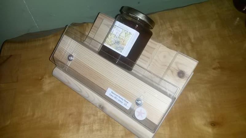 Honey label jib by Thomas Bickerdike - lovely!